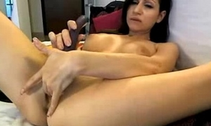 MILF spreads and uses vide and dildo relating to cum