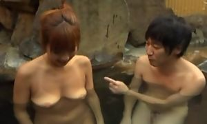 Asian wife pleasing hubiie round blowjob in pool